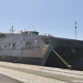 Lamaignere Shipping coordinates a military ship in Cadiz